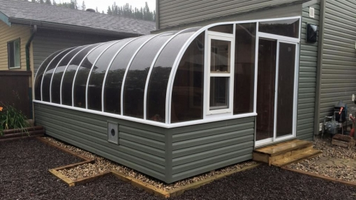 curved eave privacy